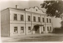 старая школа на Валу
