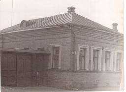 дом на Октябрьской площади